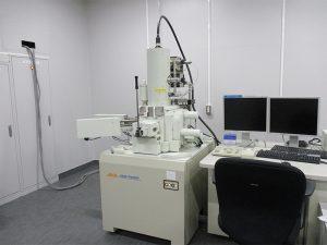 電界放出形走査電子顕微鏡