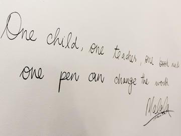 2014年にノーベル平和賞を受賞したマララ・ユスフザイ氏が本学に来校 ~女性のSTEM教育の増進についての東京理科大学の取り組みの視察と向井特任副学長との対談04