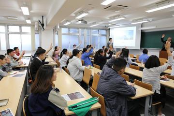 外務省主催「JENESYS2018」で来日したモンゴル訪日団31名が本学に来校01