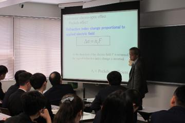 Undergraduate Students from Dalian University of Technology Visit the TUS_2_Teaching classes by Ph.Tokunaga