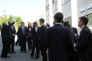 Undergraduate Students from Dalian University of Technology Visit the TUS_3_Explanation of Kagurazaka Campus
