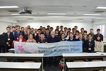 Forty Chinese High School Students Visit TUS as Part of the JST-sponsored Sakura Science Plan