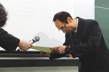 本学教員らが日本数学会函数方程式論分科会において、福原賞を受賞_横田教授